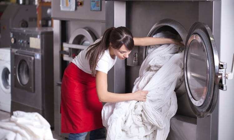 How Does A Hotel Laundry Service Work?