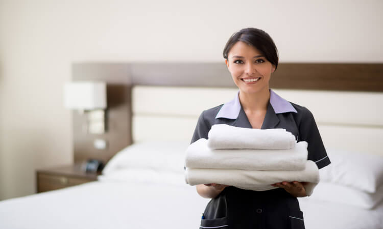 How To Clean Guest Room In Hotel: Easy Steps