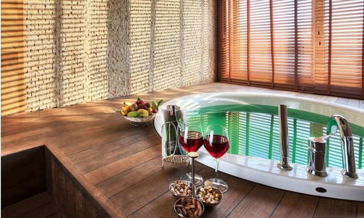 How To Find Hotel Rooms With Jacuzzi – A Vacation Guide