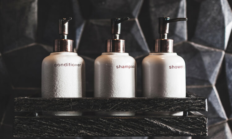 The 7 Best Hotel Shampoo And Conditioners