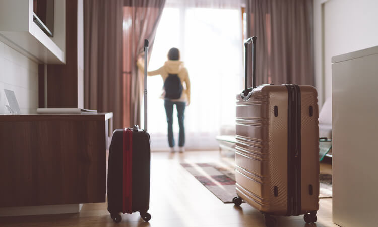 How Old To Book A Hotel Room: Travel Tips