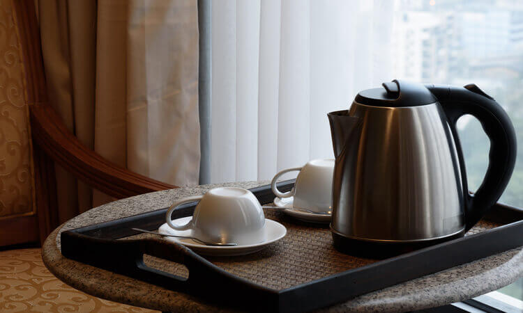 How To Clean A Hotel Kettle: 2 Easy DIYs