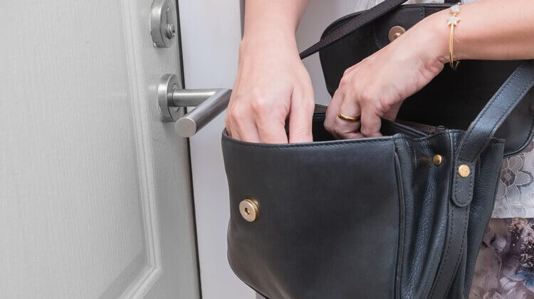 How To Reduce Guest Theft In Hotels?