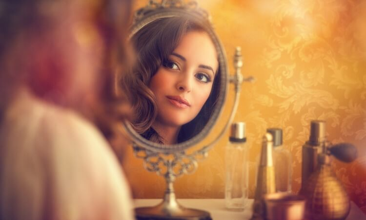 The 7 Best Vanity Sets With Mirror